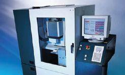 Protetyczne korony pełnoceramiczne LAVA frezowane w technologii CAD/CAM.